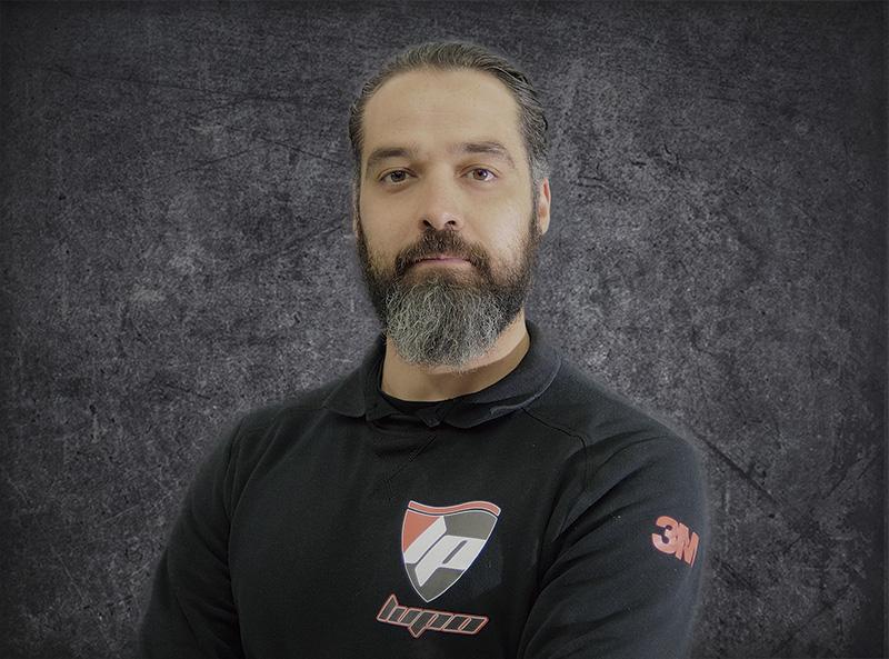Roberto Abad